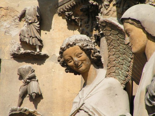 Reims - Cathedrale - Statue - Ange souriant.jpg